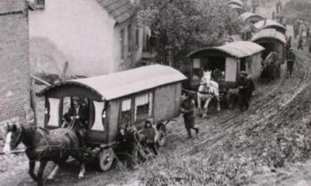 Raz Tarnów przechodzi przez wieś